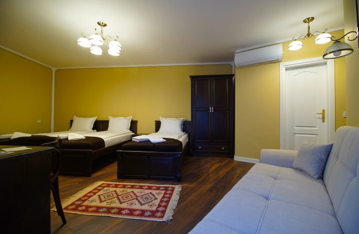 Стая четири+ легла